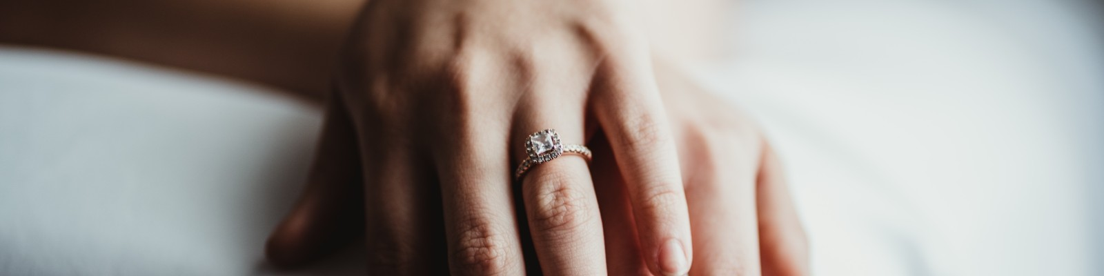 Engagement Rings Guide by Albert's Diamond Jewelers