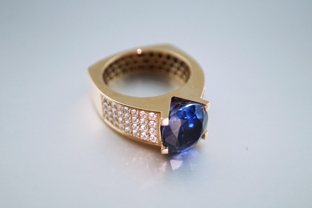 A September Birthday Gift: Sapphire Birthstone Jewelry for Yourself or a Loved One