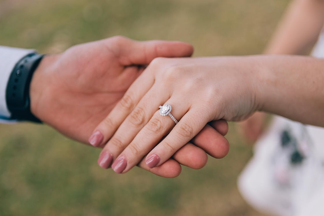 Dos & Don'ts of Taking Care of Your Engagement Ring